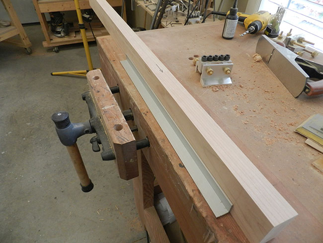 leg-of-bed-headboard-joined-from-two-workpieces