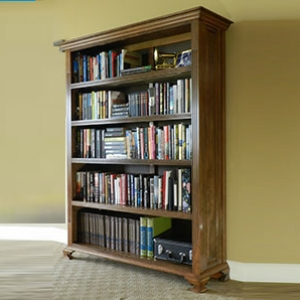 Bookcase project built in this instructional article.
