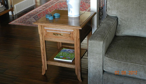 Photograph of end table built for project instructions page.